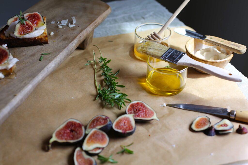 Three easy recipes using fresh figs. www.studiodelicious.com