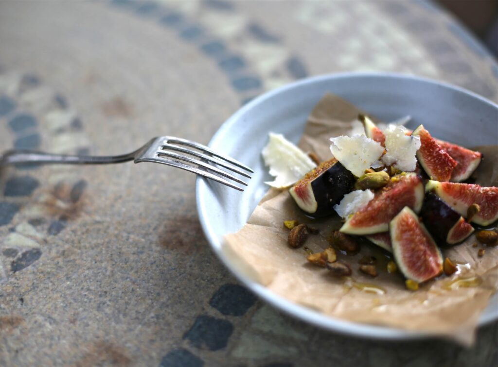 Three easy recipes using fresh figs www.studiodelicious.com