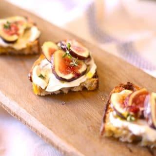 fresh figs on toast