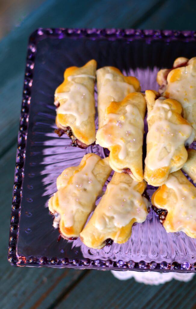 Easy Little Blueberry Lemon Pies