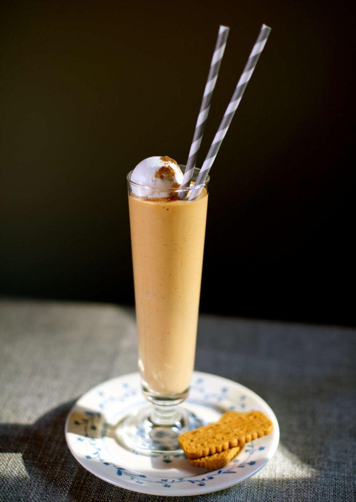 pumpkin milkshake by studiodelicious.com