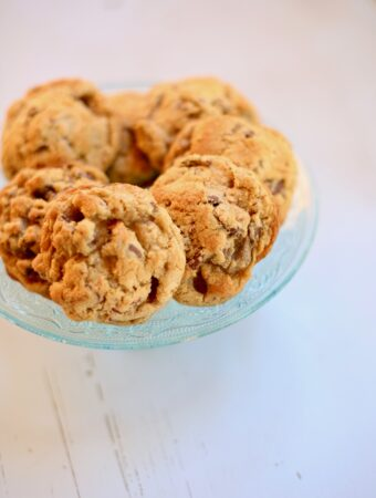 chocolate chip cookies on a blue plate